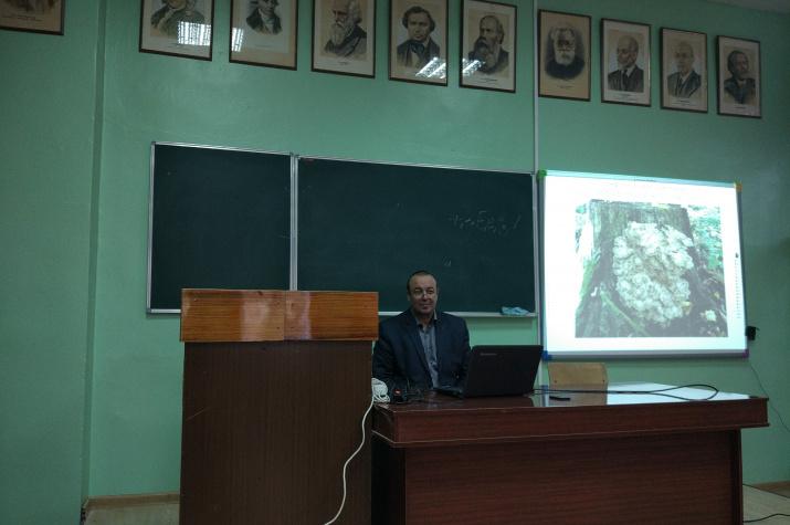 Лектор М.Ю. Гильденков