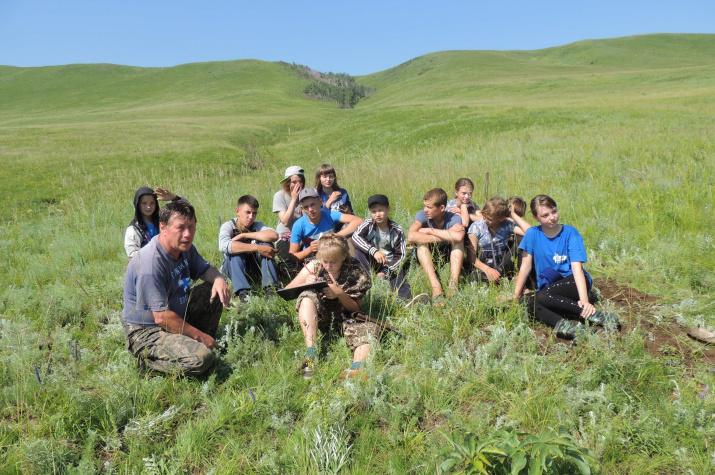 Участники экспедиции в Нерчинскую степь (фотография предоставлена А.Филиновым)