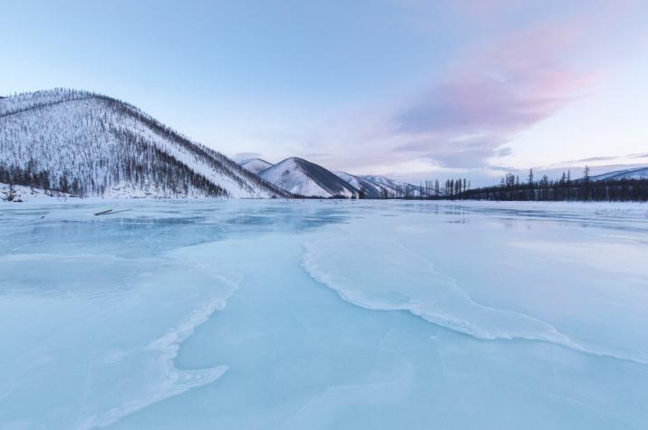 Покрытая льдом река Сахара, Якутия. Фото: Павел Глушков