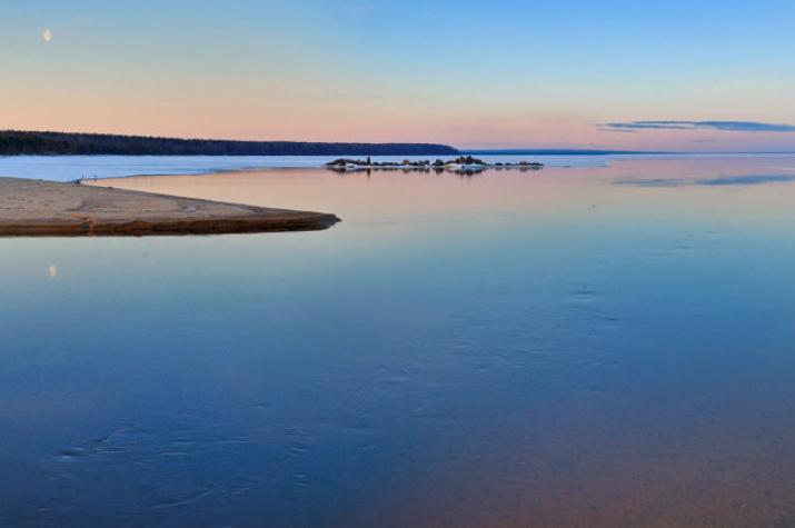 На Онежском озере. Фото Елены Белозоровой.