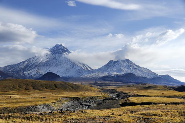 Вулкан Безымянные. Фото: Юрий Емельянов