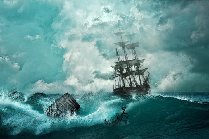 Корабль в бурном море. Источник: pixabay
