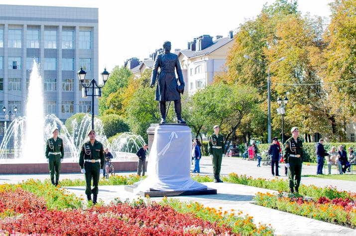 Открытие памятника Н. Пржевальскому. Фото: Лена Лагутина