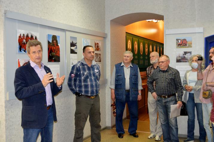 Открытие выставки. Выступает Михаил Малахов