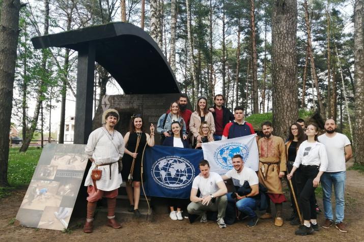 Посещение археологического комплекса «Гнёздово». Фото предоставлено Смоленским региональным отделением
