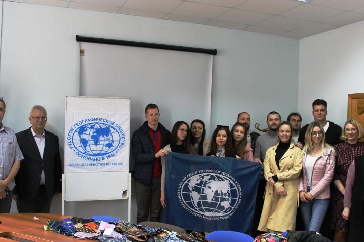 Участники сербской делегации на встрече с Александром Катровским. Фото предоставлено Смоленским региональным отделением