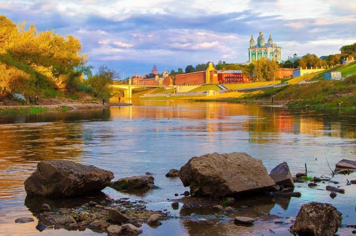 Днепр в черте города Смоленска. Фото: Денис Максимов