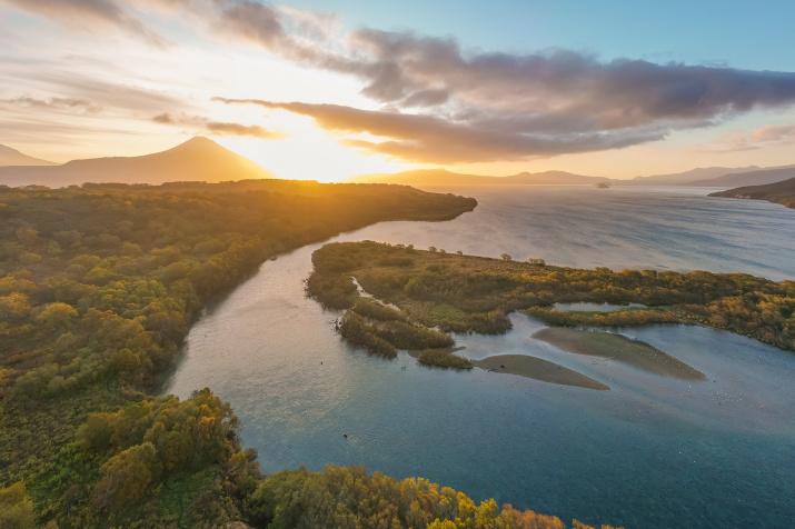 Заповедное озеро на рассвете. Фото: Кирилл Уютнов
