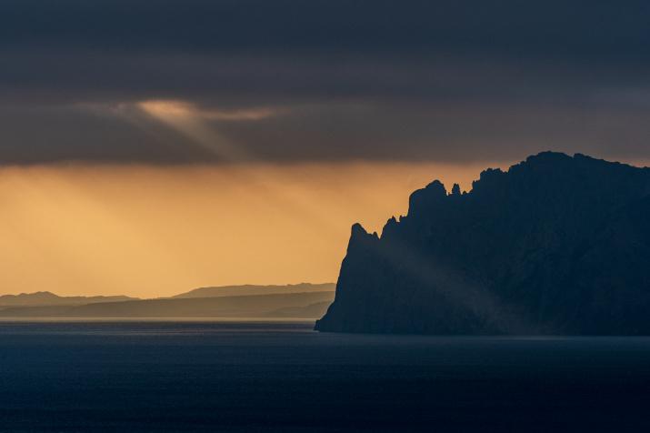 Свет сквозь облака. Фото: Андрей Лебедев