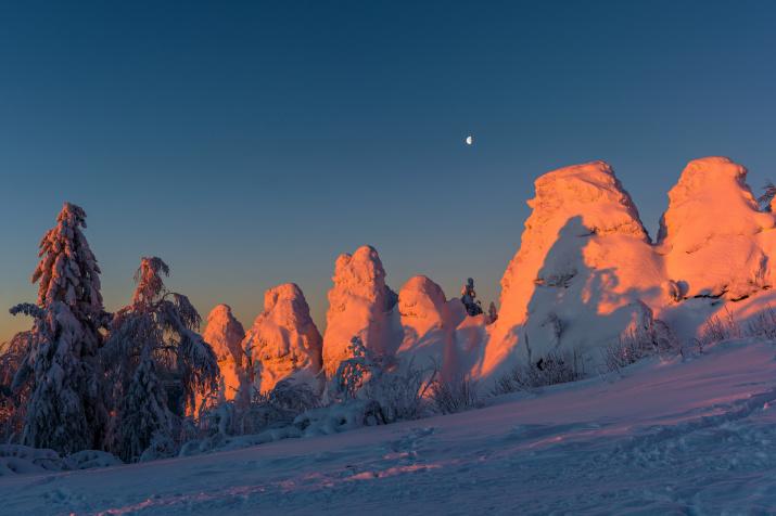 Лунное утро. Фото: Сергей Болденков