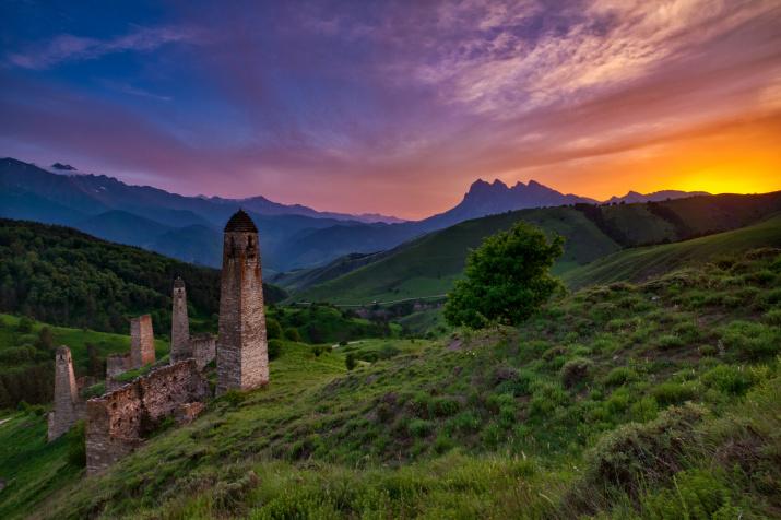 Закат в Эрзи. Горная сказка. Фото: Константин Леонтьев