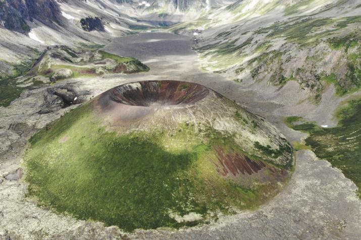 Потухшие вулканы Бурятии. Фото: Михаил Колокольцев