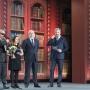 Слева направо: Наиль Сафаргалеев, Гелюся Закирова, Виктор Вексельберг и ведущий церемонии Валдис Пельш