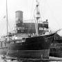 """Один из легендарных российских полярных кораблей - ледорез """"Ф.Литке"""" - в Архангельске. 1935 год. Именно этот корабль первым в истории прошел Северный морской путь с востока на запад за одну навигацию."""