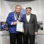 Легат Изток с дипломом Дагестанского отделения РГО. Фото предоставлено Дагестанским отделениям РГО.