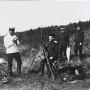 Экспедиция М.Е. Жданко. Магнитные наблюдения в Императорской гавани.  Фото: Архив ПКО РГО - ОИАК
