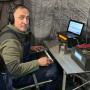 В радиоэфире участник экспедиции - Андрей Моисеев.