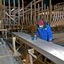 Момент строительства поморского коча. Фото: «Фонд возрождения деревянного судостроения и арктического мореплавания»