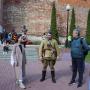 Участники сербской делегации с экскурсоводом Михаилом Гойдиным. Фото предоставлено Смоленским региональным отделением
