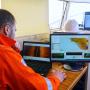 """Специалисты компании """"Фертоинг"""" изучают морские глубины с помощью гидролокатора. Фото: Руслан Шамуков"""