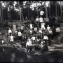 Экскурсия учеников школы конторучета в Шершневский бор, 1927 год. Фото: Иван Горохов (из собрания Государственного исторического музея Южного Урала)