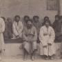 Группа туземцев оазиса Нии. Фотографический снимок Тибетской экспедиции М.В.Певцова 1889–1890 годов. Из фондов Научного архива РГО